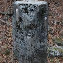 Veliki mejni kamen št.26 na sedlu Vrh Bače.