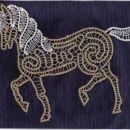 Konj je moja druga barvna čipka,za kombinacijo sem se odločila sama.V sliki pride veliko b