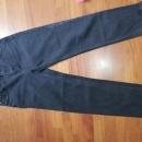 Bershka cropped črne jeans hlače S (ustrezajo 36-38)