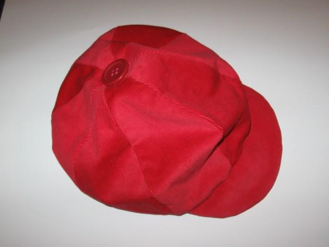 9 Kapa rdeča žamet (M)
