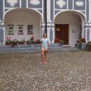 pred samostanom