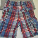 kratke hlače hm od zadaj