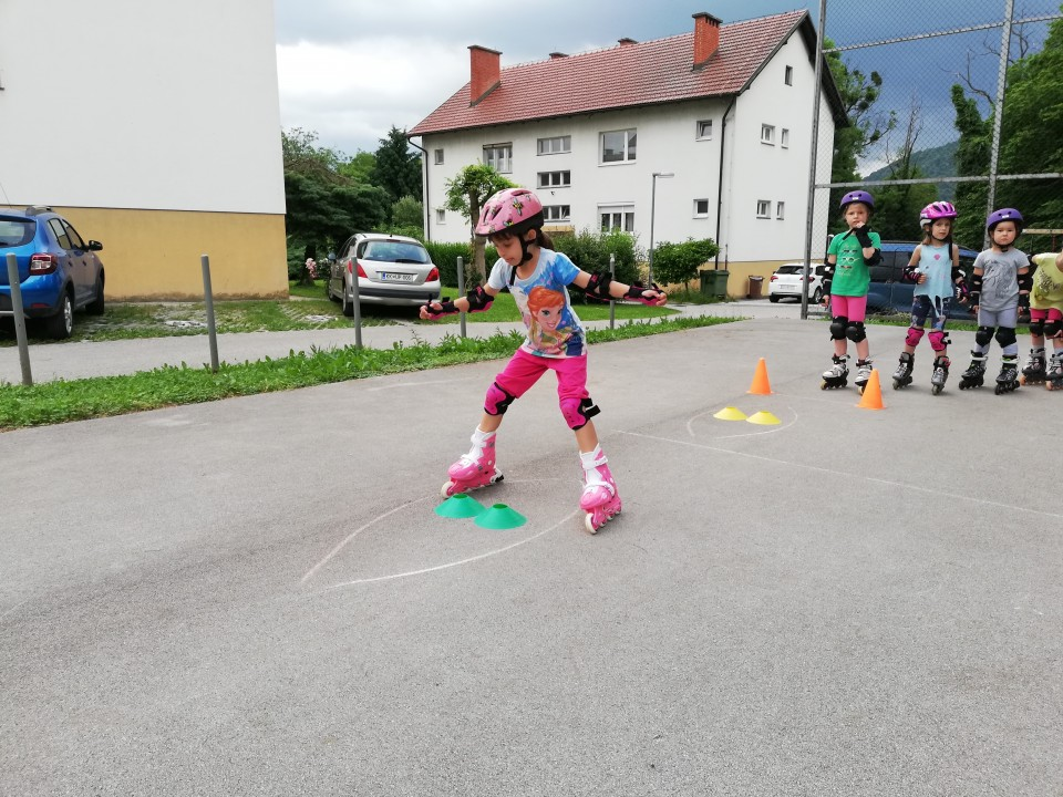 Začetni tečaj rolanja - Brežice, junij 2019/2 - foto povečava