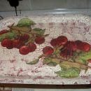pobarvan star pladenj, prvi poskus nanašanja barve z gobico (ni najbolj uspelo)