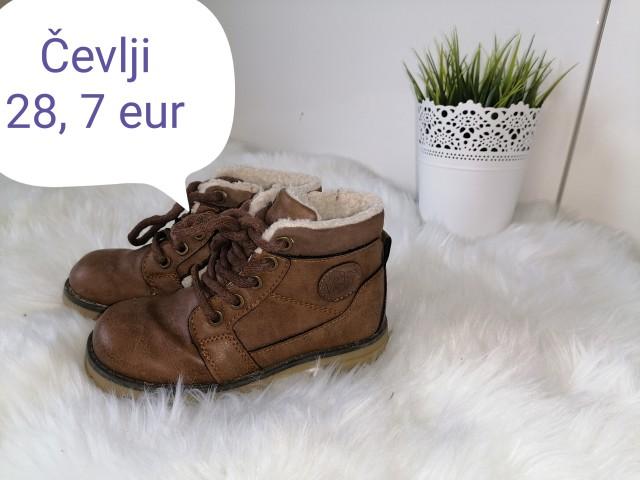 Čevlji 28