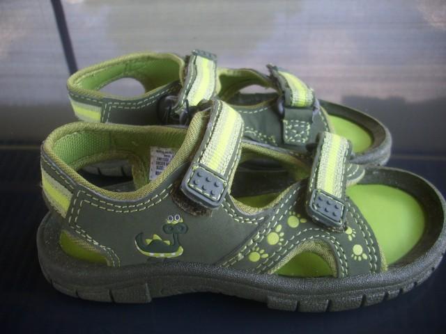 Sandali uk9, naša 27 novi  8€
