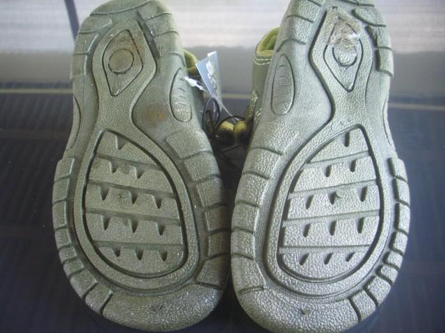 Sandali uk9, naša 27 novi  8€ - foto