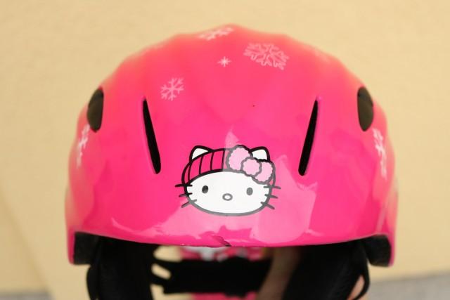 Smučarska čelada Hello Kitty 5 eur - foto