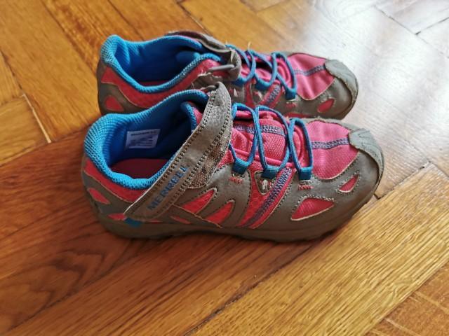 Pohodni čevji Merrell št. 34