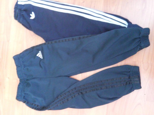 Original Adidas trenerkica + replika za 3 leta - 5€