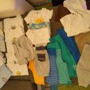 bodiji in majčke kratek ter dolg rokav, hlače (vse št. 62)