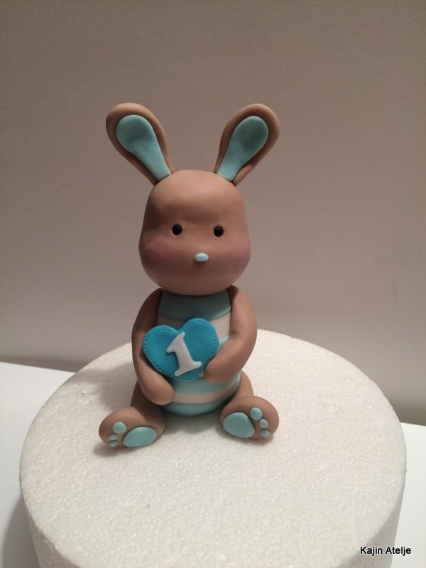 Figurica za torto zajček za 1. rojstni dan