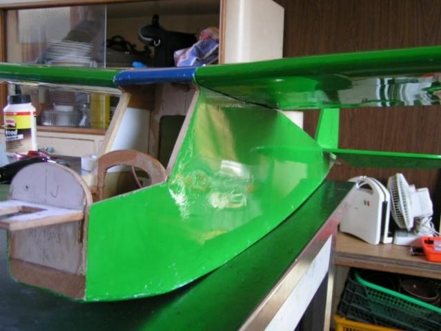 Juretovo letalo! majnka mu še kr nekaj delov