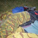 takole je del štreberov spal na bivaku...