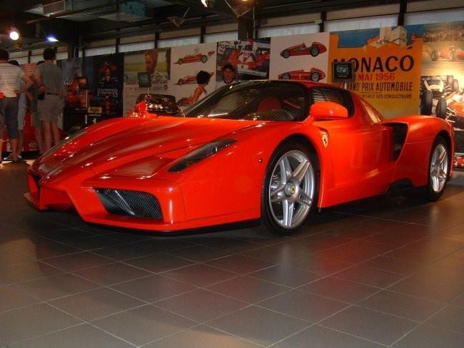 Ferrari - foto povečava