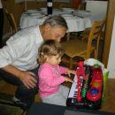 uf, kakšna darila!Moj novi klavir