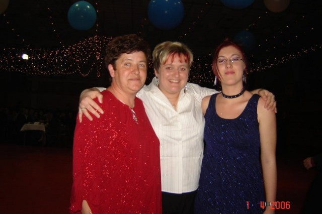 Mami, sestrična in jst