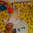 prava akrobatka sem v posteljici...:-)