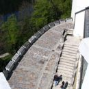 pogled na nižjo etažo.