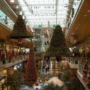 Trgovski centri so lepo okrašeni...