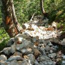 Za konec še prizorišče skalnega podora pod vrhom slapa
