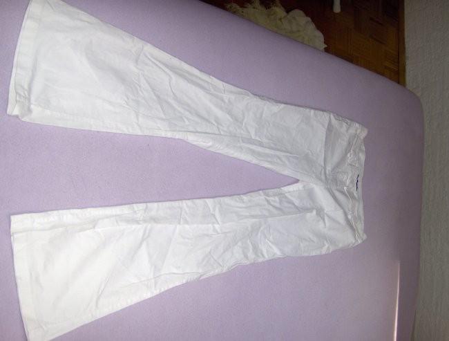 velikost S,malo nošene (4x),cena:1500 sit PRODANO