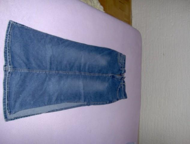 Jeans dolgo krilo,parkrat nošeno,vel28,cena:1500 sit