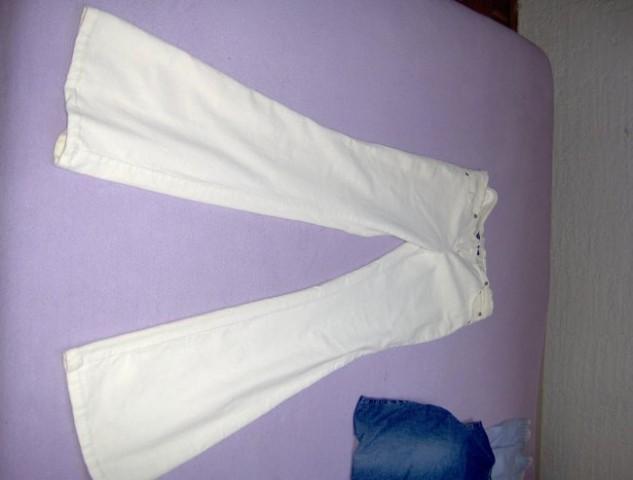 žametne hlače Tally Weil,vel.38/M,nikoli nošene,cena:2500 sit