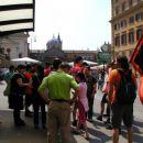 Čakanje na Katjo na postaji Flaminia, nato na tramvaj št. 2, ki nas je popeljal do stadion