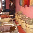 Naravni postopek barvanja vlaken za preproge