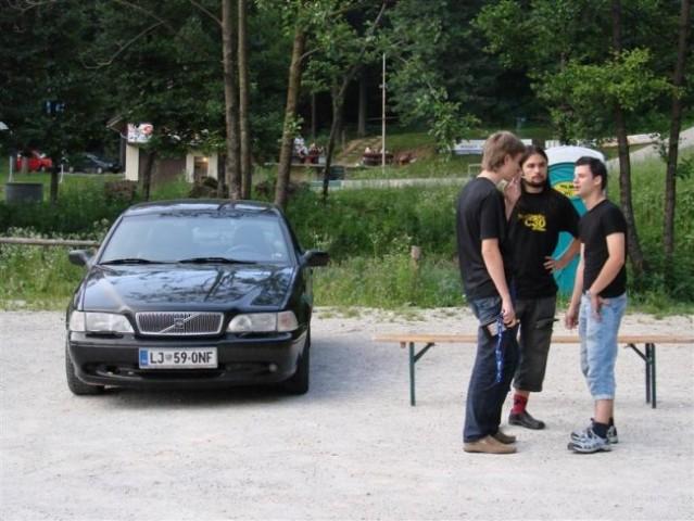 Trije hvalevredni fantje in sekret... pa ne avto  :D