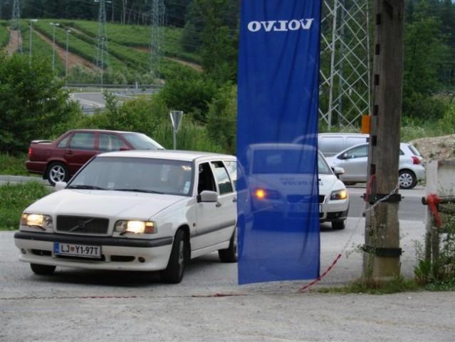 Demonstracija vleke vozila.