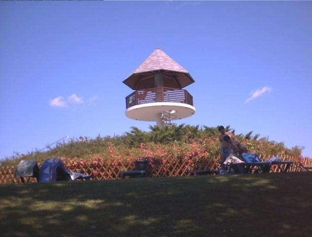Opazovalni stolp (bay watch) v kopališču