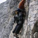 ... tu je edino krušljivo mesto (3 metre rumene drobljive skale). Dobro, da ni težko!