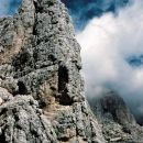Pred leti mi je na planinskem potepanu v Zahodnih Julijcih padel v oči Beljaški stolp (Ago