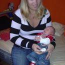 mami me je zrihtala, ker grem na obisk k teti Katji (star sem 2 tedna)
