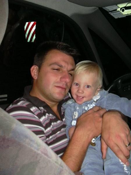 Catram se z atijem (našim šoferjem na tej dolgi poti) :-)