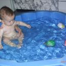doma v bazenčku
