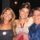 & Laura, mama Virginia