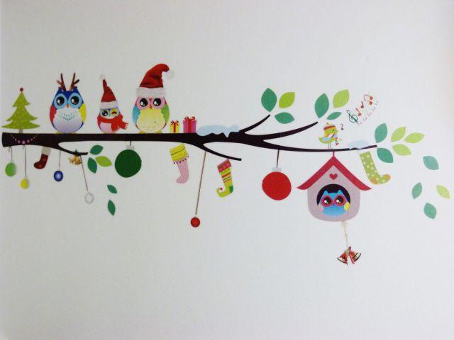 Nalepka božične sovice na naši steni