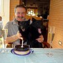 Prižgli smo eno specialno svečko, ki velja za DEVET!
