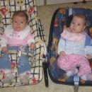 Zala in Hana pri 4 mesecih